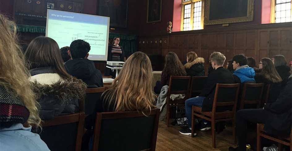 Year 12 Students Visit The Emmanuel College